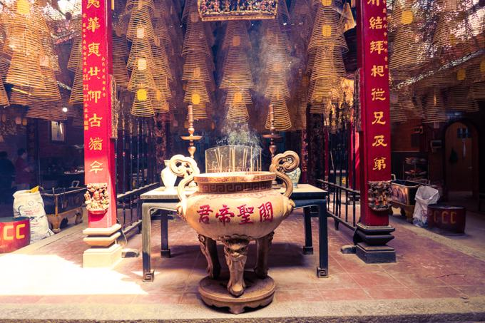 Can Tho City travel guide - the famous incense coils of the Ong Temple