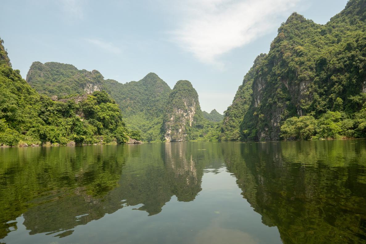 Trang An Boat Tour Ninh Binh