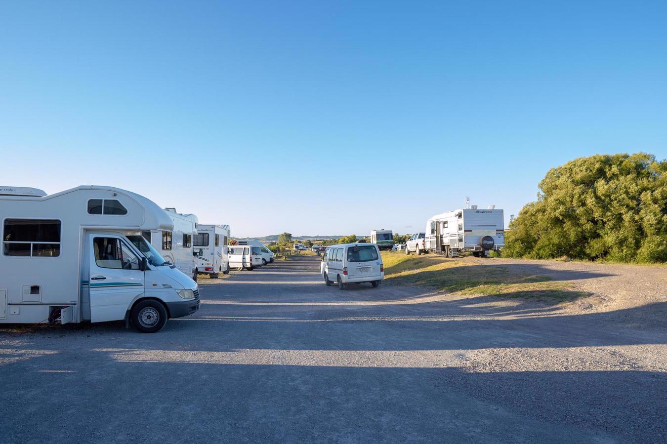 Self contained van NZ and freedom camping non self contained